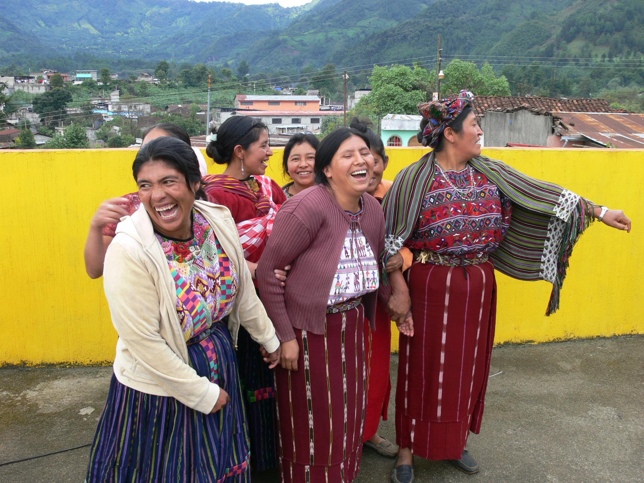 donne che ridono tetto defensoria